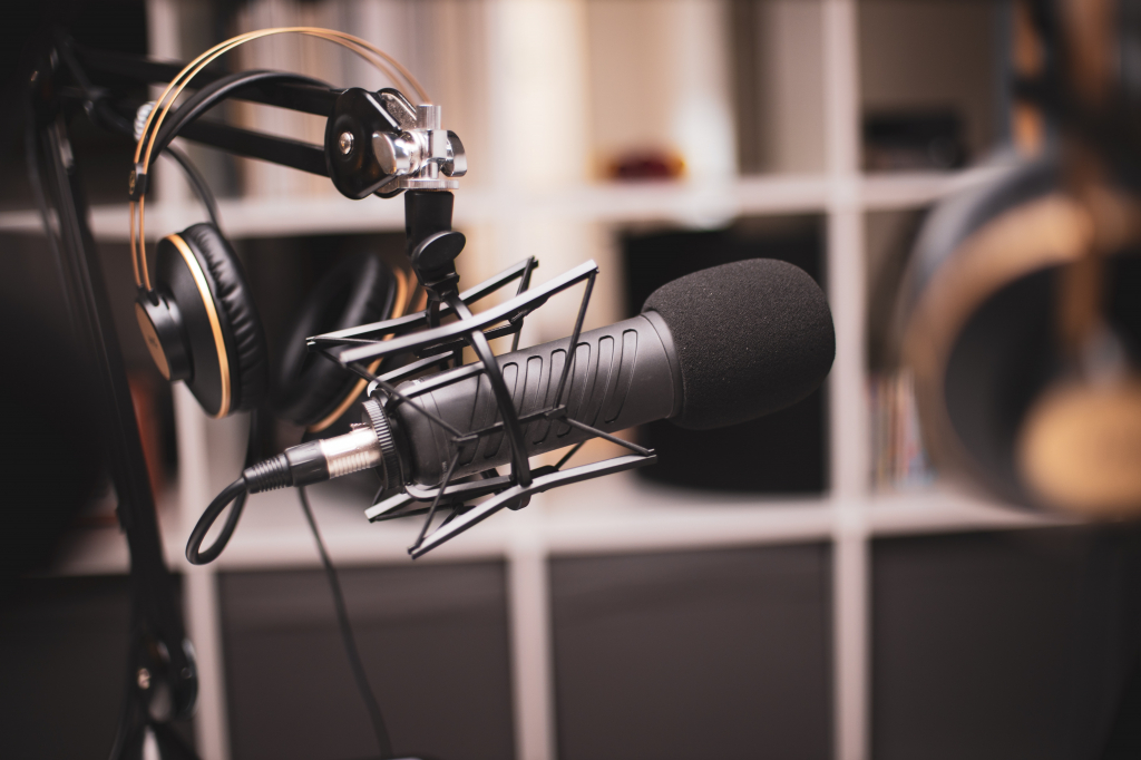 Image for Peer 2 Peer for Marketing and Communications Staff: Podcasting 101 for Missions and Ministries